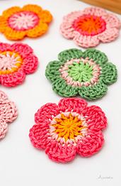 6 petals crochet flower