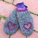 Heartfelt mittens pattern
