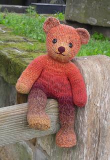 Ravelry: Teddy bear in a hoodie pattern by Kristi Tullus | 320x221