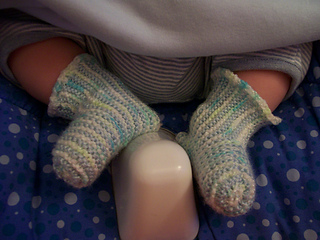 146 colored baby booties 002
