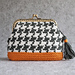 Houndstooth coin purse with frame pattern