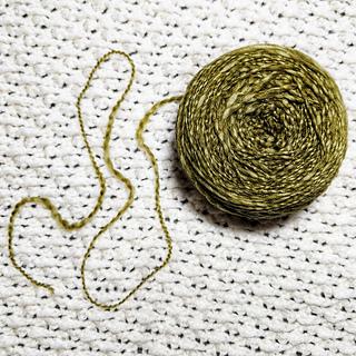 thick/thin texture of plymouth yarn merino textura