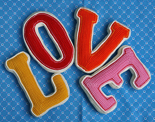 Ravelry: 3D LETTER pattern by CAROcreated design