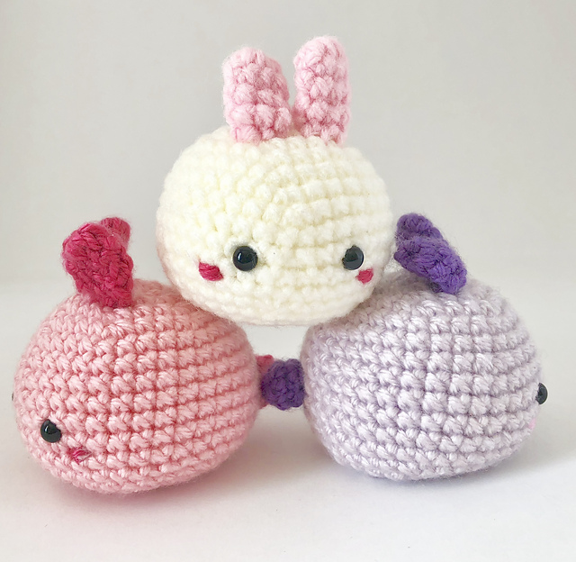 The Cutest Amigurumi Bunny Patterns with Clothes Perfect for Easter! | 624x640