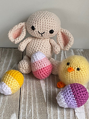 Lovey Lamb *Egg & Chick Pattern sold separately.  5 Pattern Easter Bundle available in Etsy Shop www.Etsy.com/shop/Cloud9Knots