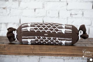 Queen of Hearts Bolster Pillow crochet pattern