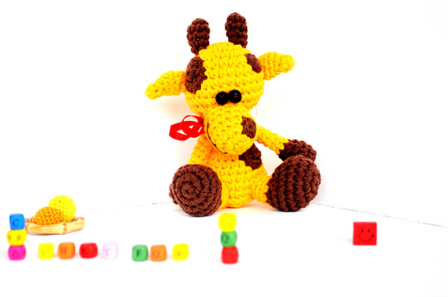 Cute Crochet Giraffe Amigurumi Free Pattern - DIY 4 EVER | 425x640