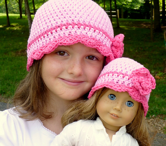 Easy Crochet Doll Hat Pattern (With images) | Crochet doll clothes ... | 563x640