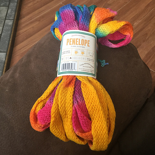 25/% off Naturally Pride  Wool Crepe Yarn  # 100 Cream