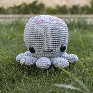 Octopus With Headphone Crochet Pattern -- amigurumi DIY gift ... | 320x320