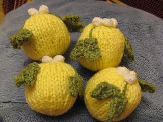 Mistletoe Baubles