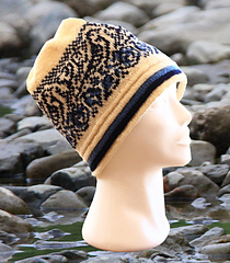 Woman`s hat With 3 colors