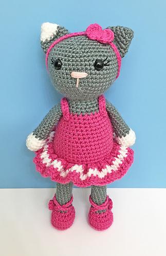 Tracey the Ballerina Doll amigurumi pattern - Amigurumipatterns.net | 500x323