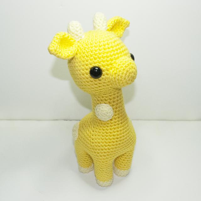 Baby giraffe crochet pattern - Amigurumi Today | 640x640