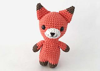 Ravelry: Fox Amigurumi Design pattern by OlenaHuffmireDesigns | 230x320