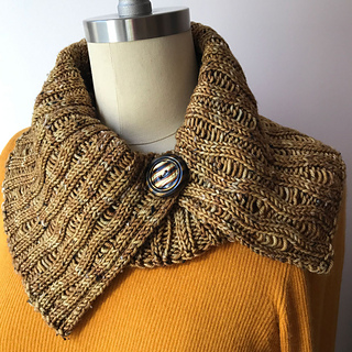 DK Combined Cowl, with the flat portion as an open collar over the ITR Cowl.  Vintage Button.