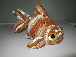 Fancy Goldfish Amigurumi By Kate Wood - Free Crochet Pattern ... | 240x320
