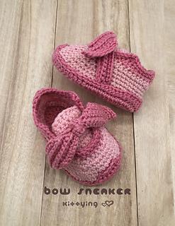 Bow Sneaker Crochet Pattern by Kittying
