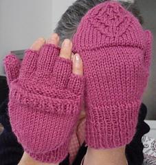 Fingerless gloves with cap