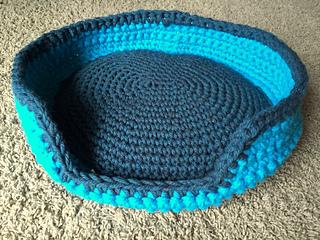 Crochet Cat Bed - Super Chunky Yarn - Free Pattern!I recently ... | 240x320