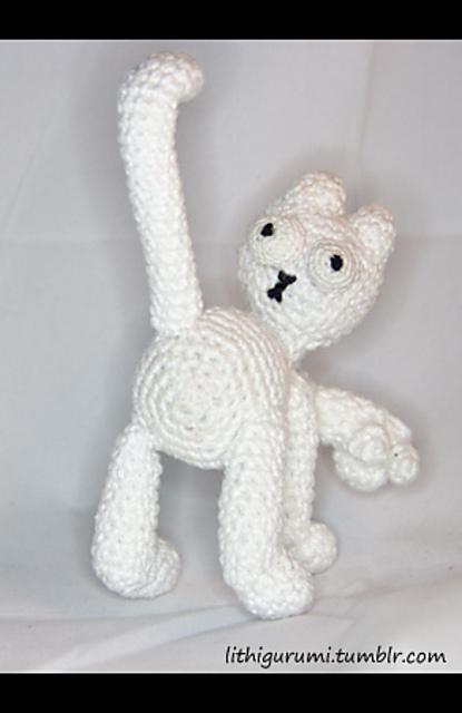 Crochet Cat Amigurumi Pattern: British wool Aran cat. | 640x415