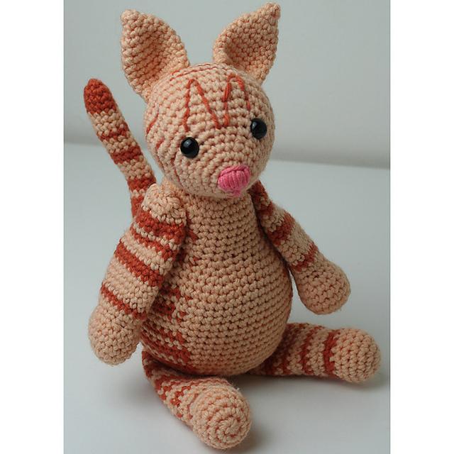 Emily the Mouse Amigurumi Crochet Pattern   640x640