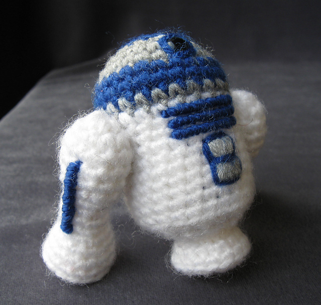 Mini Crochet Creatures: 30 Amigurumi Animals to Make: Bergstrom ... | 608x640