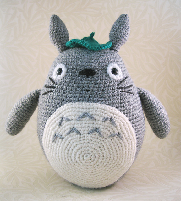 Bonny Bunny Amigurumi crochet pattern - Amigu World | 640x576