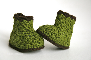 Crochet Pattern Baby Boots pattern crochet baby shoes grandpa boots (01)