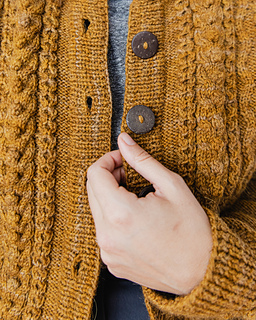 Kiley wears Aubree in Honeycomb  / Photographer: Danie Harris