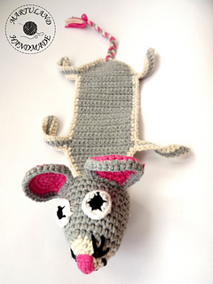 Crochet Mouse Bookmark - Free Pattern - DIY 4 EVER | 320x240