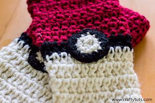 crochet pokeball fingerless gloves #pokemon | Crochet wrist ... | 213x320