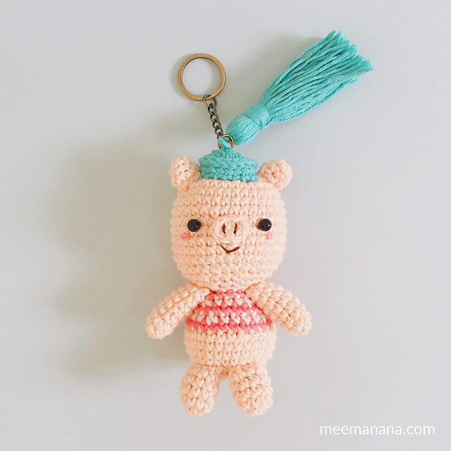 Crochet cute pig keychain is best gift idea. Amigurumi by ... | 640x640