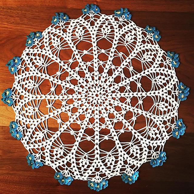 Vintage Crochet Forget Me Not Flower Doily Pattern Mat