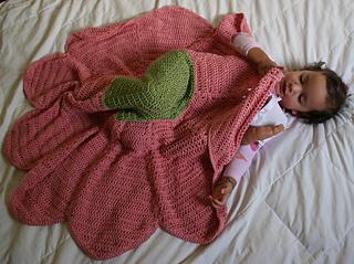 flower blanket in use