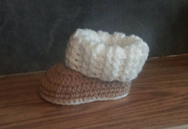 Ravelry: Baby Ugg Style Booties pattern