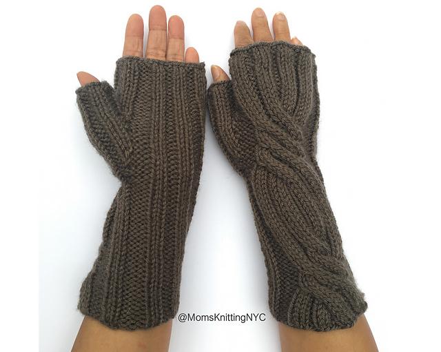 Knitting Pattern  Wrist Warmers  Wrist Warmers Pattern  Outlander Claire/'s Wrist Warmers  Wrist cuff  Arm Warmers  Outlander Patterns