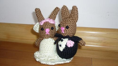 Tiny Wedding Cake Crochet Pattern ~ Crafty Kitty Crochet | 282x500