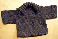 finished baby sweater 006