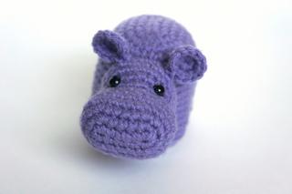 Hippo in swimsuit crochet pattern - Amigurumi Today | 213x320