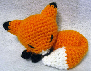 Sleeping Fox Free Crochet Patterns | 252x320