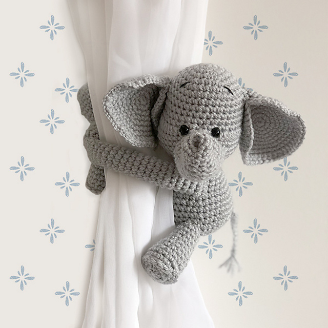 Elephant curtain tie back crochet PATTERN left or right side | Etsy | 640x640