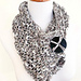 Bold and easy cowl pattern