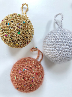 Metallic and Sequinned Baubles