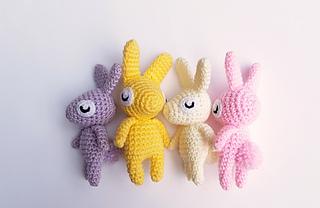 Ravelry: Jenny the Bunny, free crochet pattern by Janine ... | 208x320