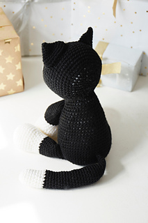 9 Awesome Crochet Cat Patterns | Free Knitting Patterns | Handy ... | 320x213