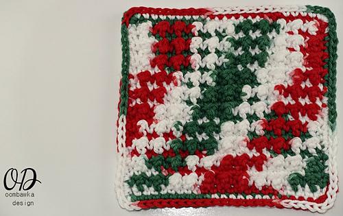 Very Merry Scrubby Dishcloth - Free Crochet Dishcloth Pattern - Oombawka Design Crochet