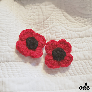 Last Minute Poppy Pins for Remembrance Day. Free Pattern - Oombawka Design Crochet