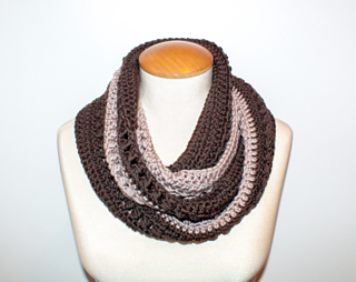 Coffee With Cream Infinity Scarf - Free Pattern from Oombawka Design Crochet 2017 - #SCARFOFTHEMONTHCLUB2017