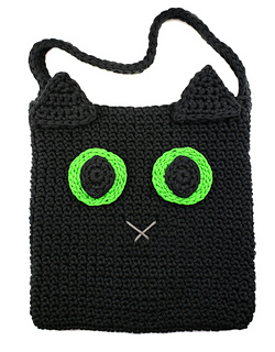 Black Cat Halloween Trick-or-Treat Bag. Free Pattern for the 2018 Halloween CAL. Designed by Oombawka Design Crochet. #halloweenCAL2018